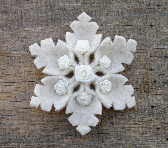Felt Christmas Craft Ideas Part - 16: Felt And Ribbon Rose Snowflake