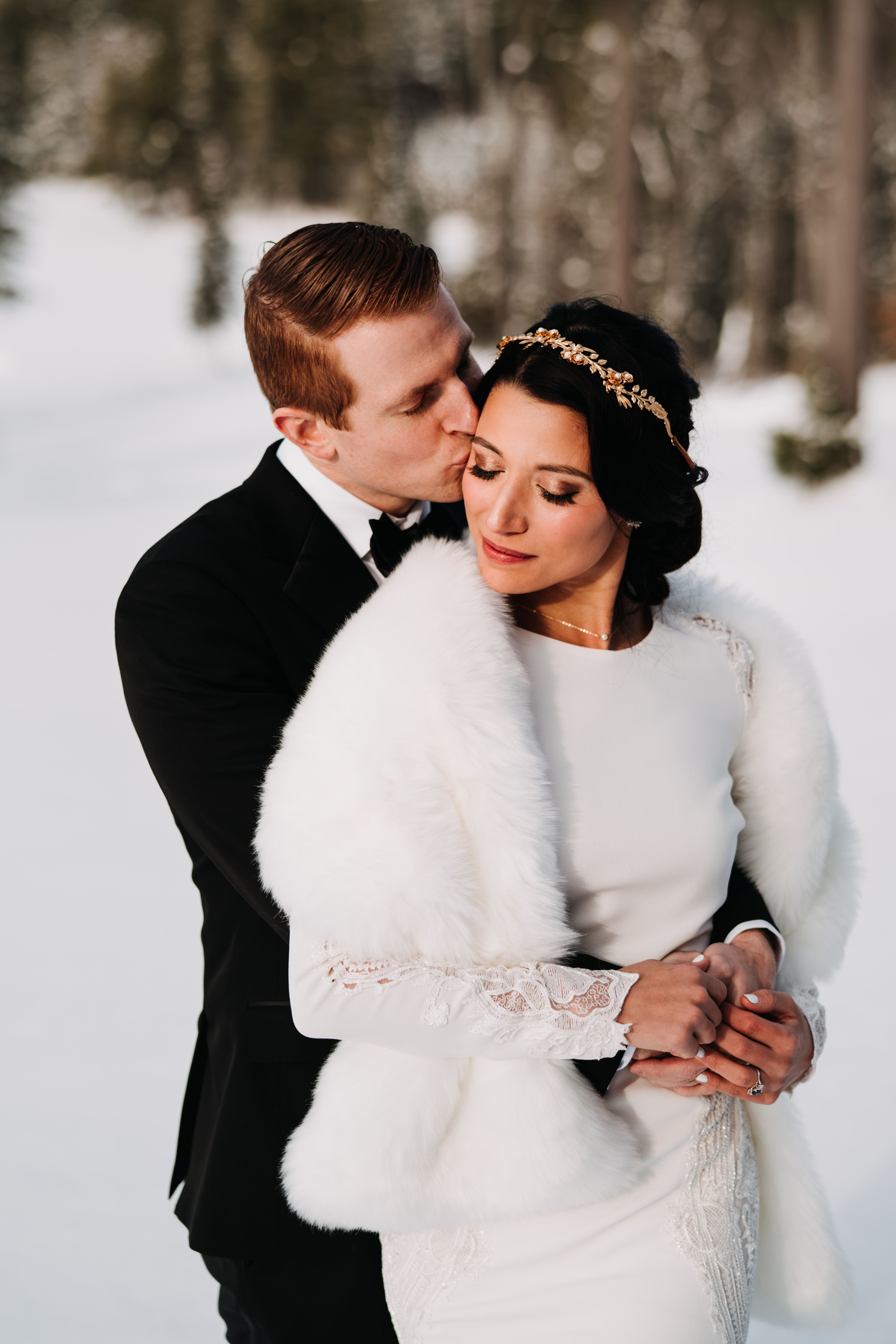 A stunning winter wedding surrounded by the beauty of the
