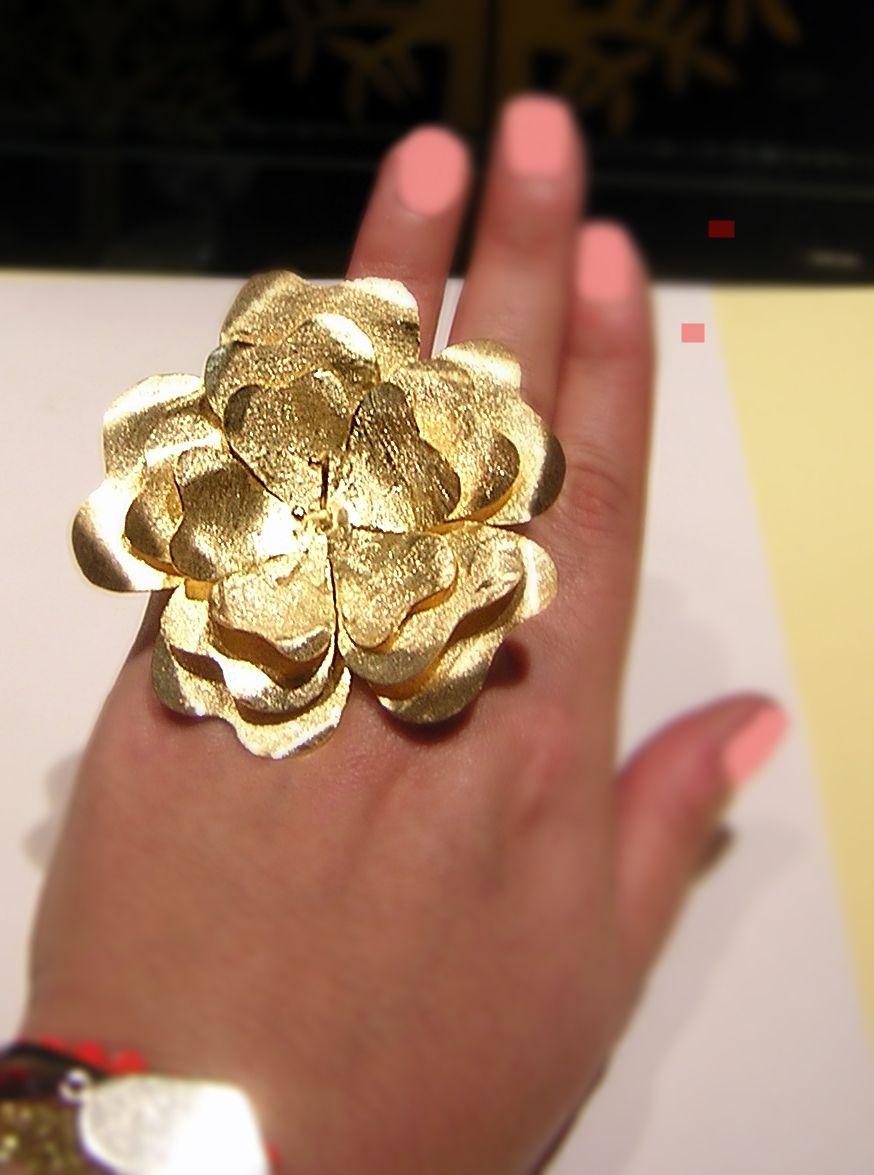 Flower ring flower ring