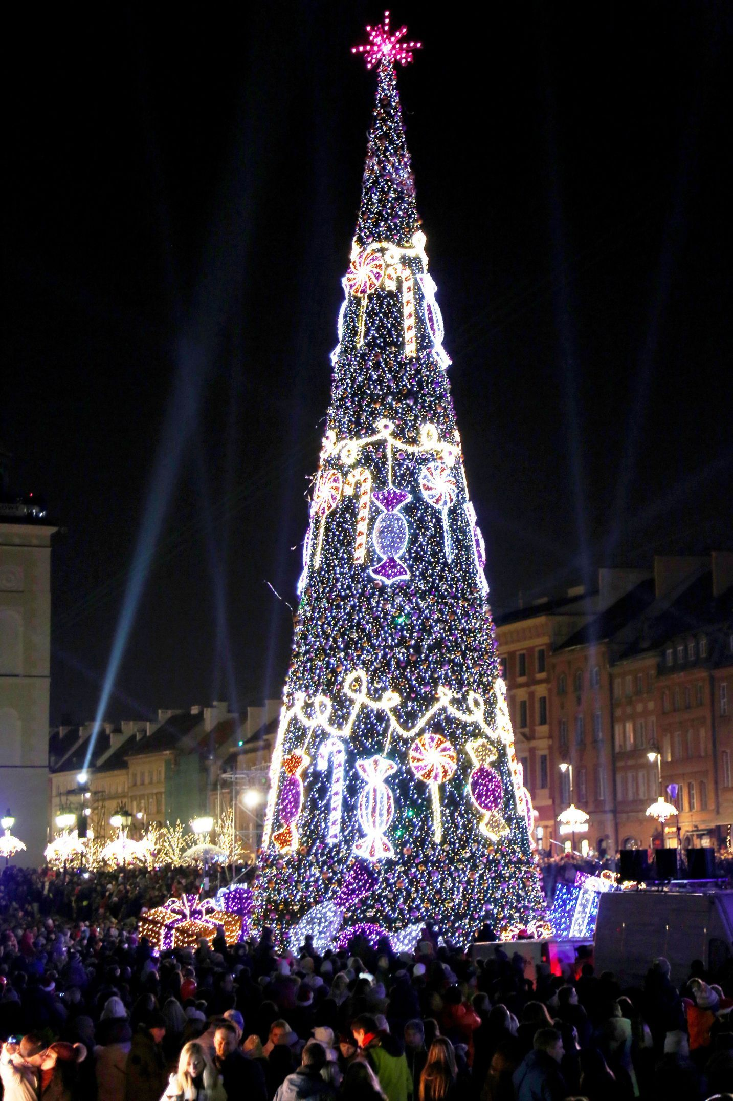 unique christmas lighting. 22 Of The Most Magnificent Christmas Trees Around World Unique Lighting R