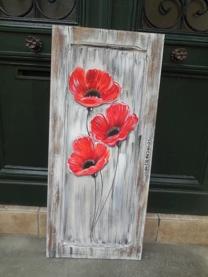 Mohnblumen Auf Einer Alten Schranktur Gemalt Gemalde Von Atelier Crearecup Wood Pallet Art Pallet Painting Diy Wall Art