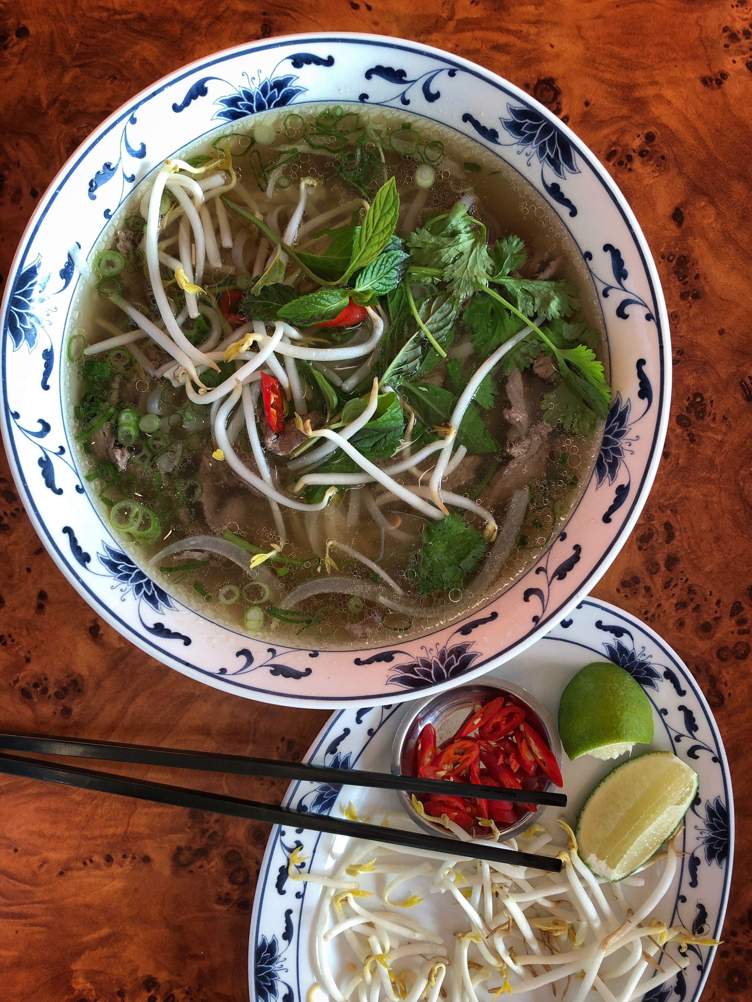 Zupa Pho Przepis Kuchnia Wietnamska Slodkokwasny Com Vegetarian Recipes Asian Recipes Pho