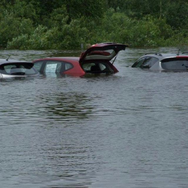 Duluth Car Dealerships >> New Cars Under Water At Krenzen Dealership Duluth Mn