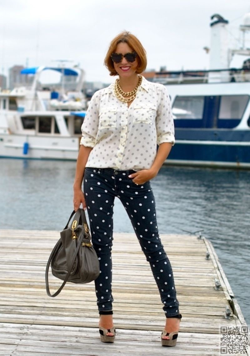 3. The #Jeans - 7 Spectacular #Polka Dot Pieces That Will #Complement Your Style ... → #Fashion #Lunares</font></font>