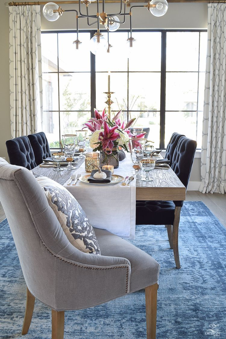 This Blue Faded Rug Adds Subtle Elegance To This Chic Dining Room Dining Room Curtains Elegant Dining Room Rustic Dining Room