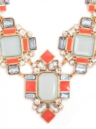 Beautiful bib necklace  http://rstyle.me/~28DO3