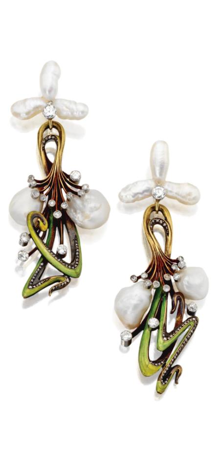Art Nouveau pearl and enamel pendant-earrings, circa 1900.   Sotheby's #antiquejewelry #joyasantiguas