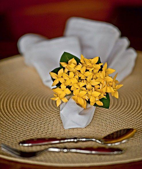 Casa Com Flores Guardanapos Mesas Decoradas Para Jantar E Anel