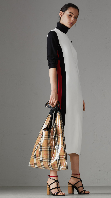 Stripe Detail Crepe Shift Dress - White Burberry m0gmeFXn