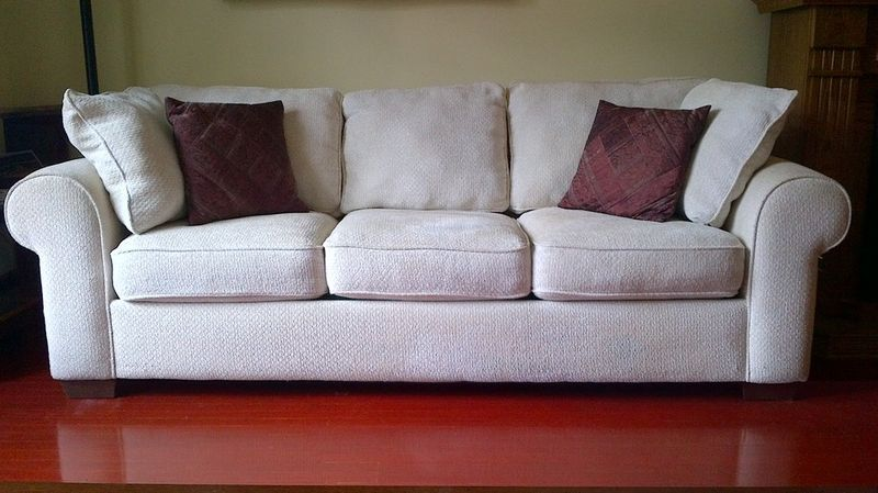 Fantastic Secondhand Bauhaus Cream Sofa On Kijiji Montreal Wish Theyellowbook Wood Chair Design Ideas Theyellowbookinfo