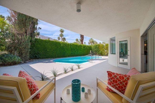 Garten Mit Pool Bilder garten mit pool bilder sichtschutzhecke ueberdachte terrasse