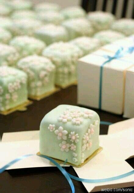 little sakura cake