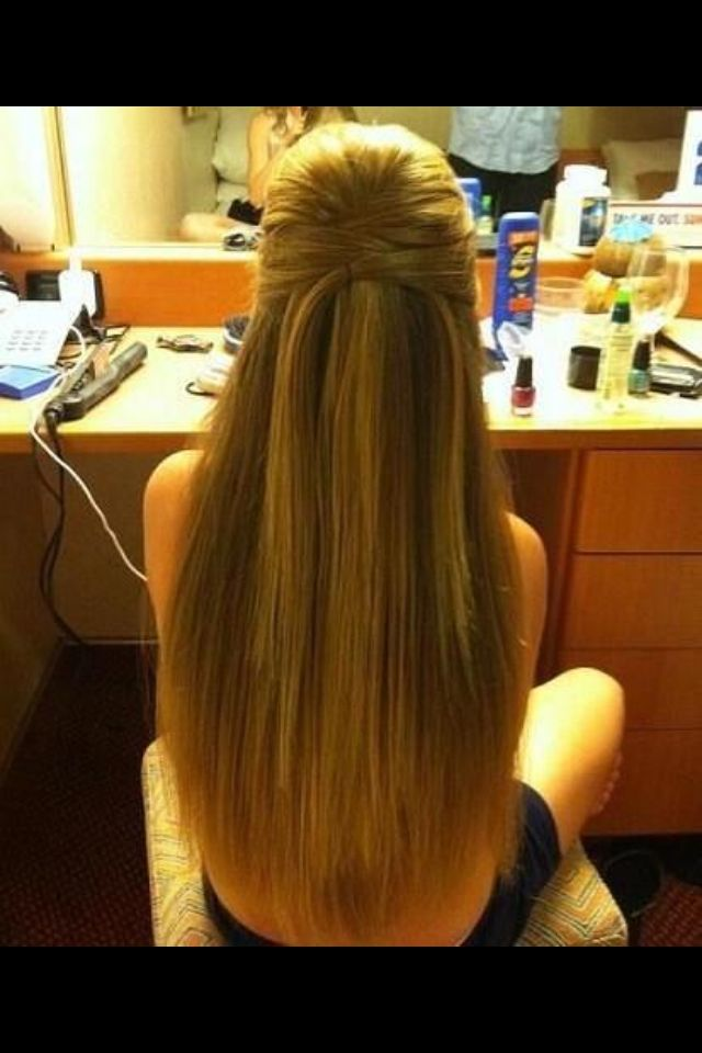 Pin By Maggie L On Everything About Hair Easy Hairstyles For Long Hair Straight Hairstyles Long Straight Hair
