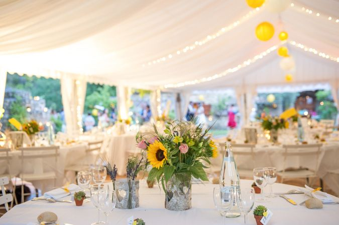 real-wedding-fleur-and-lee-table-flowers
