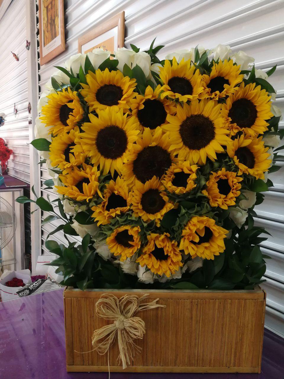 Pin De Maryori Garzon En Girasoles Pinterest Floral