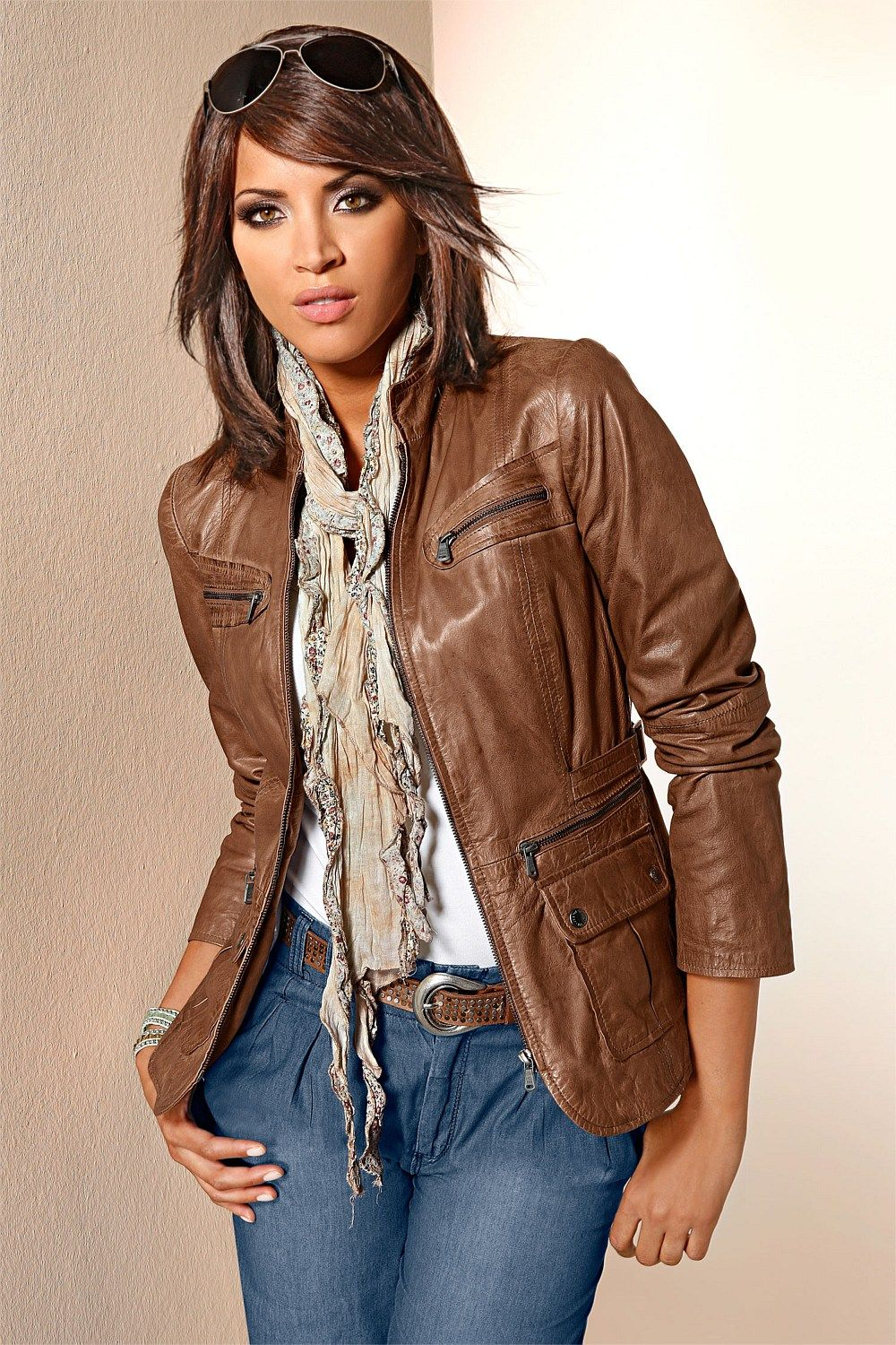 Brown Leather Jacket Looks com jaqueta, Look fashion