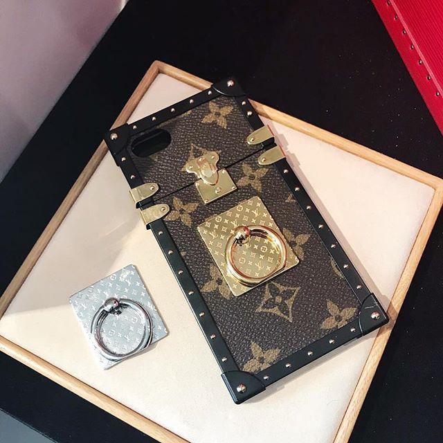 35aebf575d04  LouisVuitton phone ring holders . . .  ThreadsStyling  LV  phonecase   louisvuittonphonecase  louisvuittonpetitemalle  luxurysocialcommerce   PhoneRingHolder