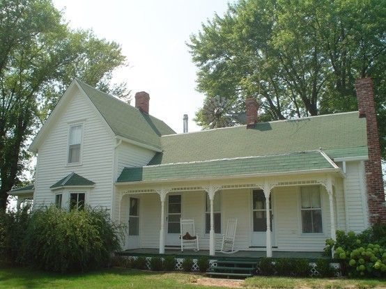 I love farm houses and this one has green gables wont you call