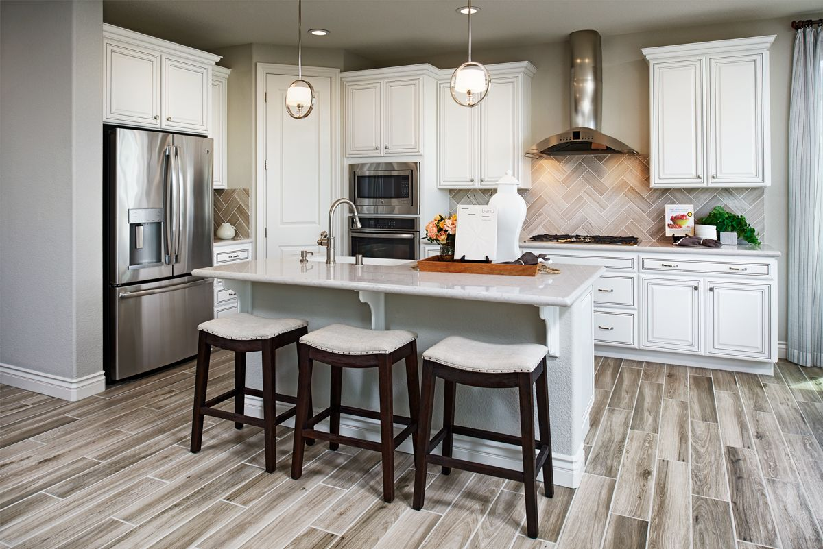 Striking backsplash! Bernard model home Oakley, CA