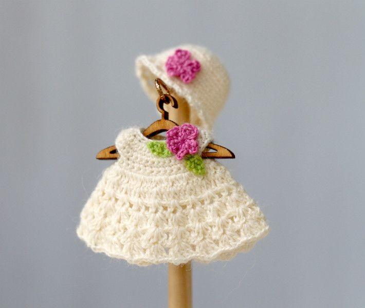 Puppenkleidung - Miniatur Strickkleid Kleidung für die Puppe. - ein ...