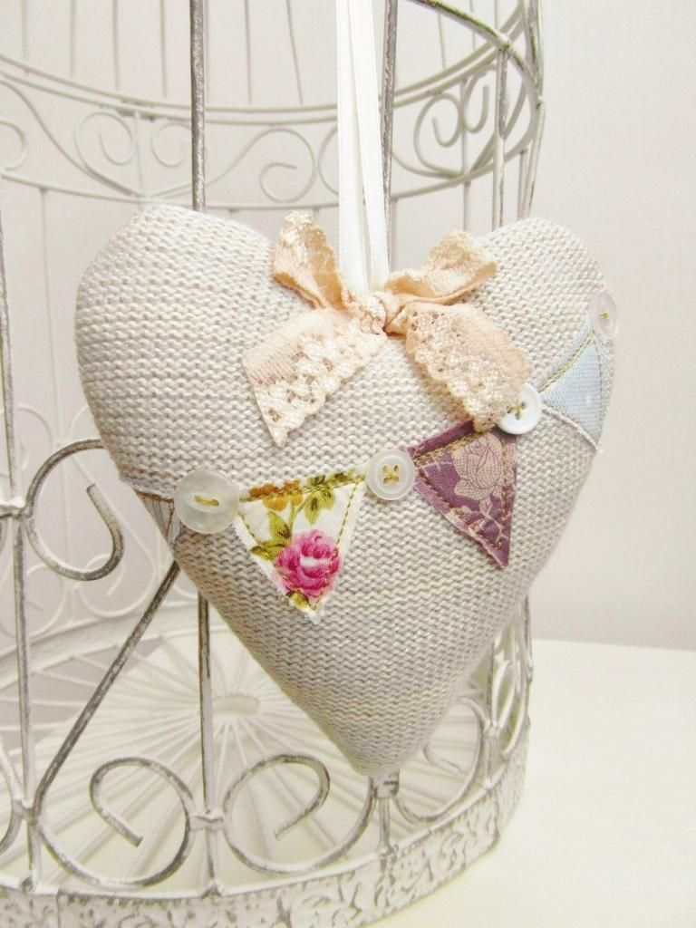 Knitted Shabby Chic Bunting Heart