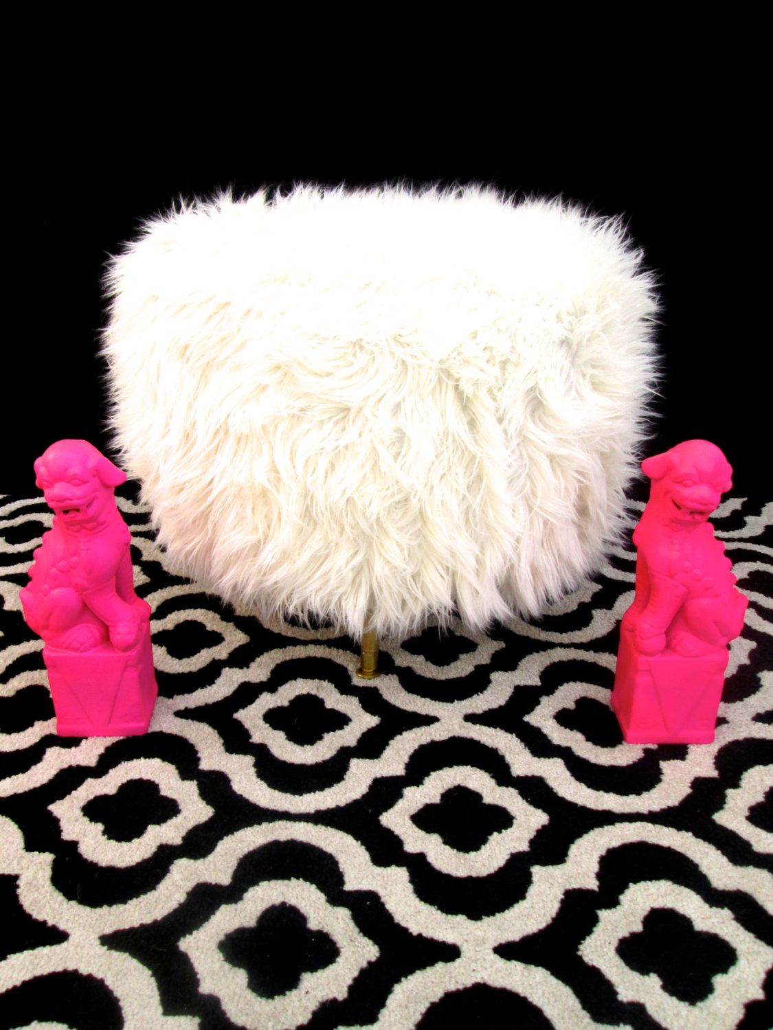 Fine Large White Mongolian Faux Fur Round Pouf Ottoman Pdpeps Interior Chair Design Pdpepsorg