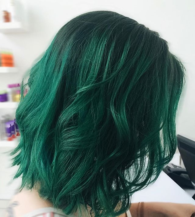 Green With Envy Over This Emerald Hue Green Hair Hair Styles