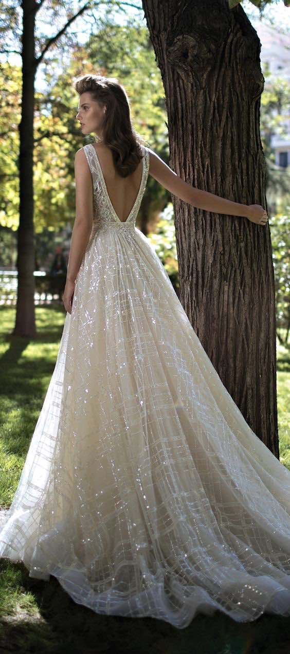 32 Sexy Deep Plunging V Neck Wedding Dresses | Ball gown dresses ...