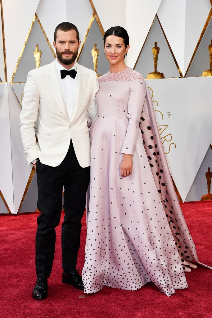 Jamie Dornan Y Amelia Warner El Protagonista De Cinuenta Sobras Más Oscuras De Blanco Junto A Su Esposa Karın çalıştırma