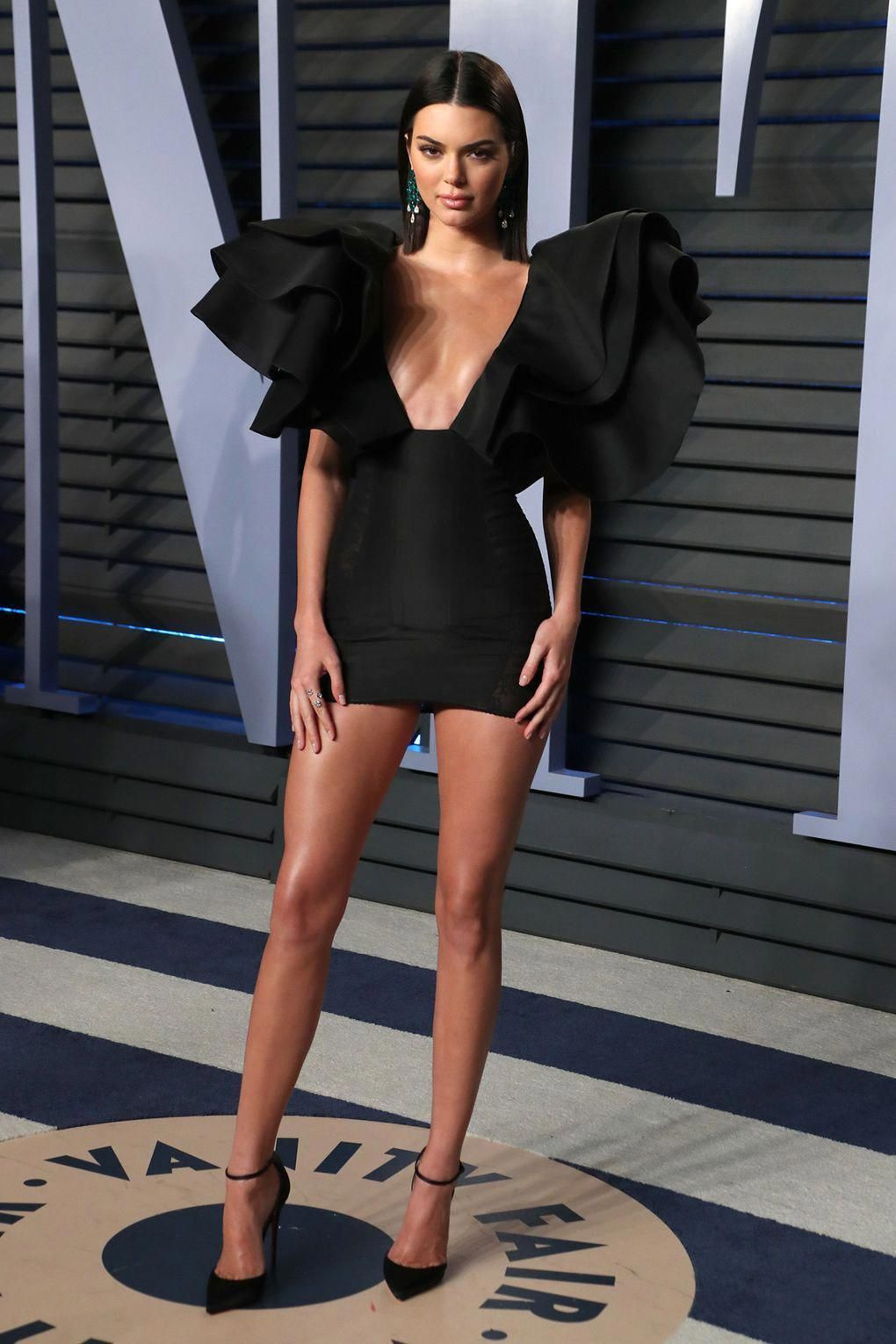 Kendall Jenner In Azzaro And Christian Louboutin Oscars 2018 The After Party Pictures British V Kendall Jenner Outfits Jenner Outfits Super Short Mini Dress [ 1530 x 1020 Pixel ]