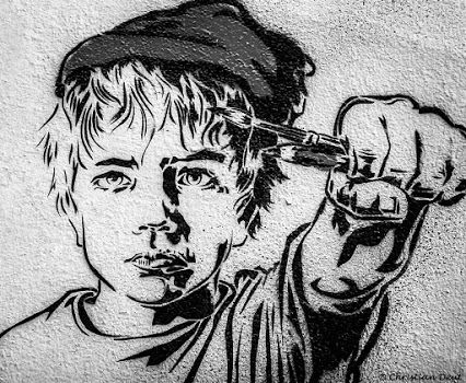 Le gamin sur le mur paris 2015 kid on the wall dessin au for Dessin mur