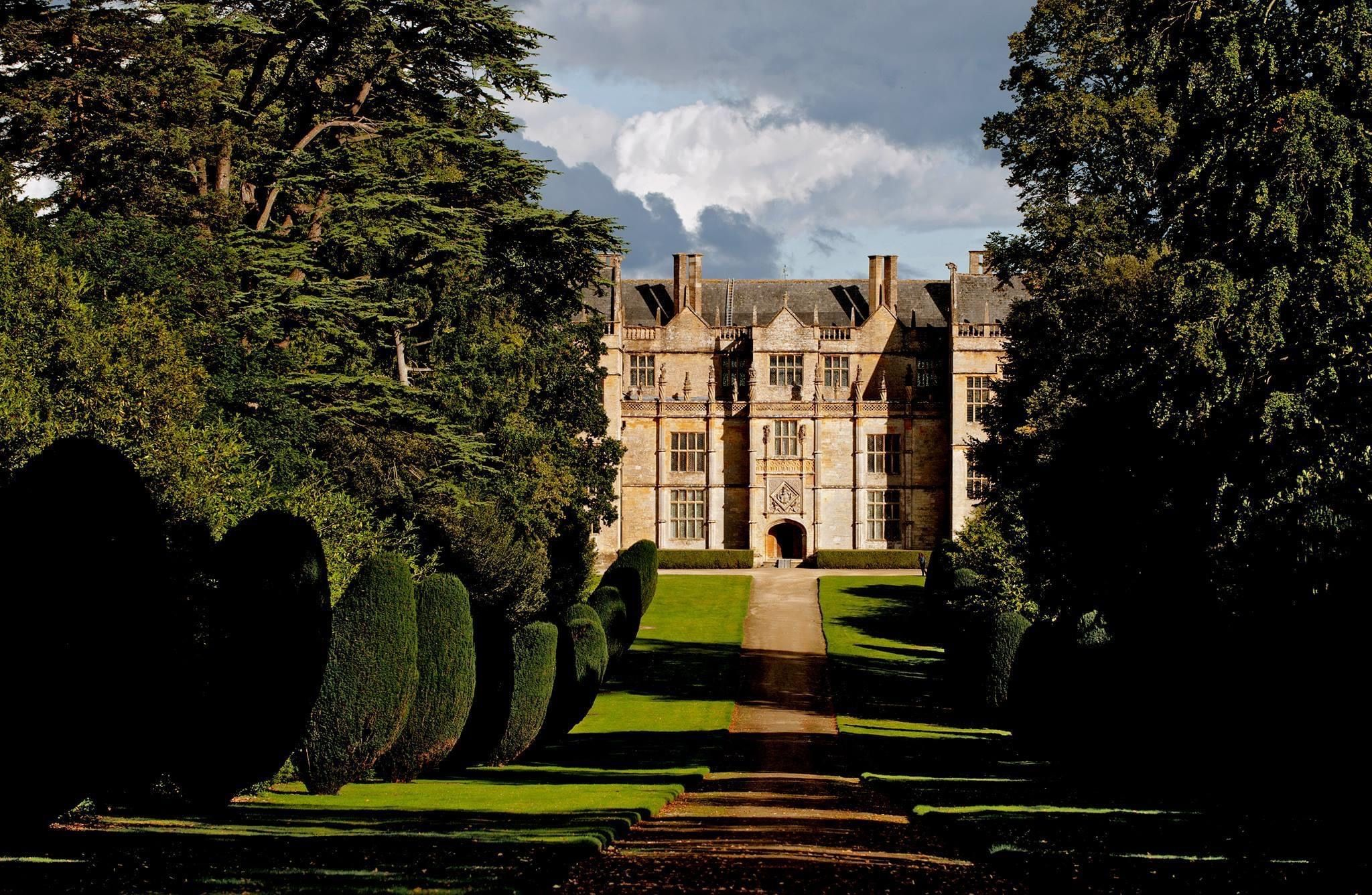 Montacute House Somerset House Sense And Sensibility Was Filmed Here In 2020 Beautiful Images Just Breathe House Styles