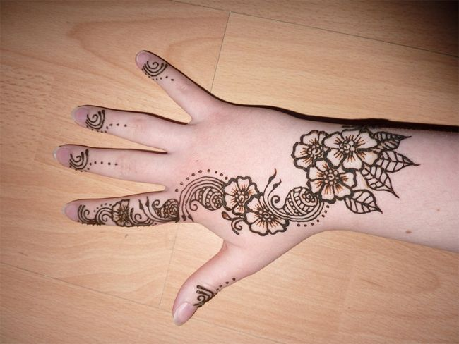 Mehndi Tattoo Flower Designs : Henna tattoo flower designs on back hand fashion pinterest