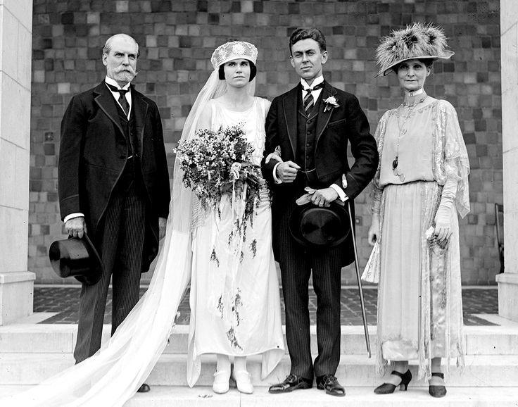 1920s wedding google search wedding flowers pinterest 1920s 1920s wedding google search junglespirit Choice Image