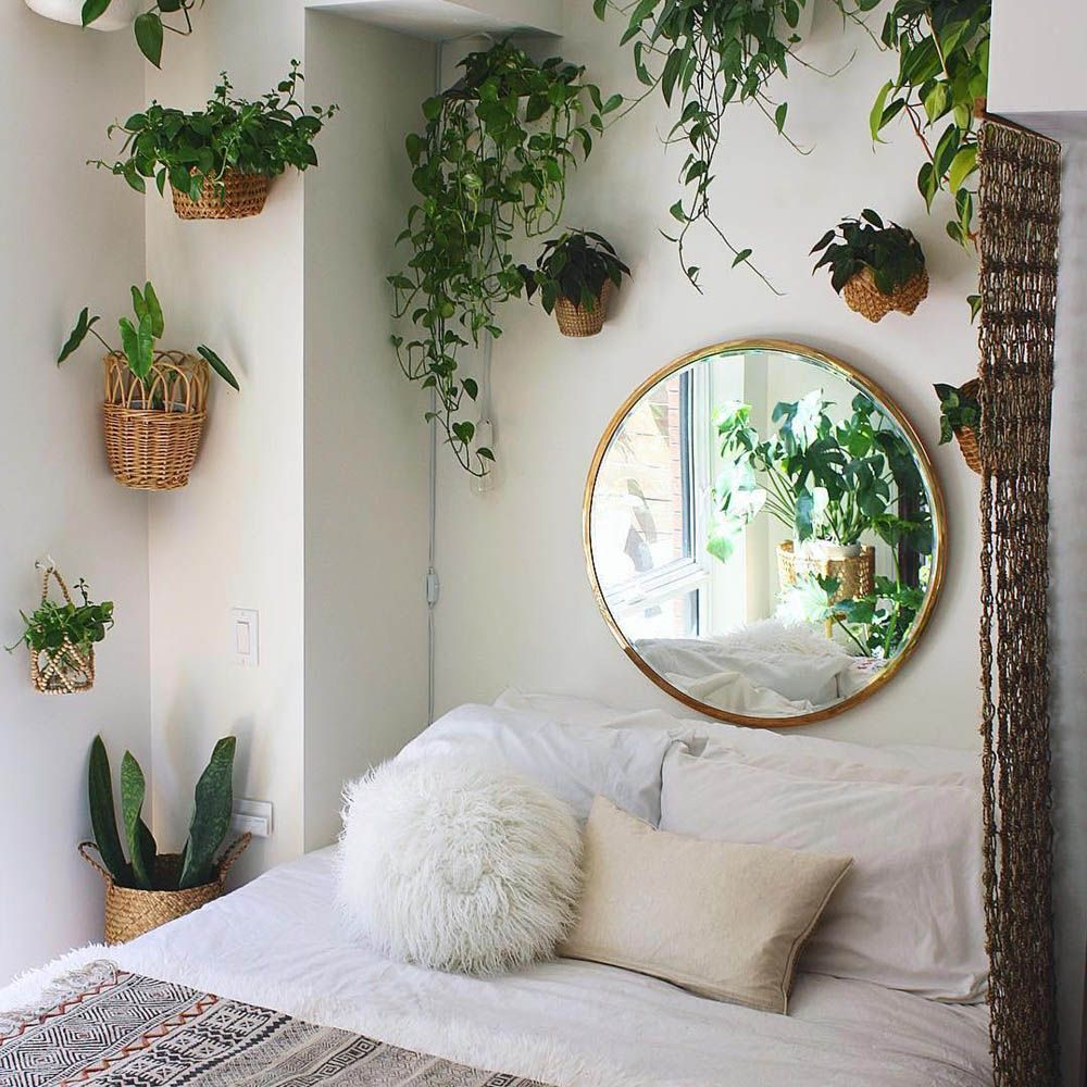 Minimalist Bedroom Ideas Perfect For Being On A Budget Small Bedroom Decor Bedroom Decor Beautiful Bedrooms