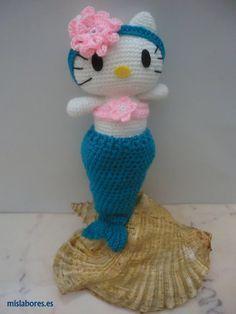 Hello Kitty Sirenita Amigurumi - Patrón Gratis en Español aquí: http://www.mislabores.es/hello-kitty-sirenita.html