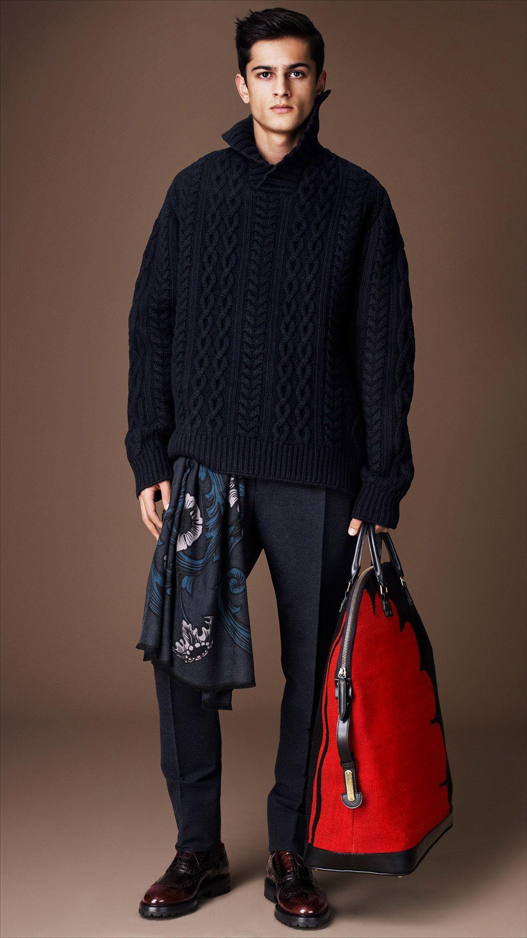 Burberry Prorsum Menswear Autumn/Winter 2014 show | Burberry #youcancallmehitch #barneybarrett #minimalism #fashion #style #streetwear #knitwear #streetstyle #malemodel #barney_barrett