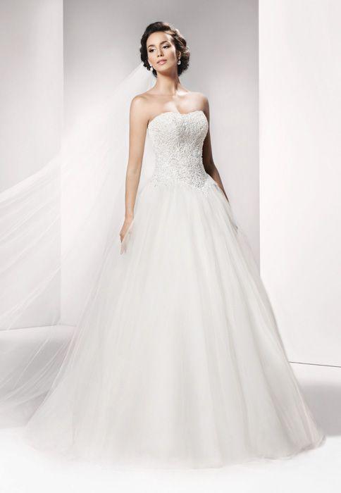 Das perfekte Kleid für den schönsten Tag gibt es von Feine Braut. Ob ...