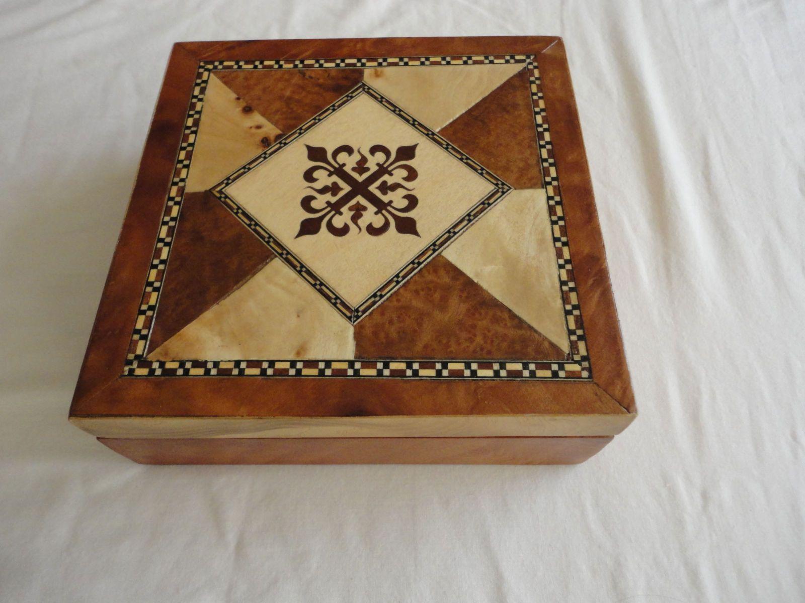 Cajita de marqueteria marqueteria pinterest cajas - Casas de marqueteria ...