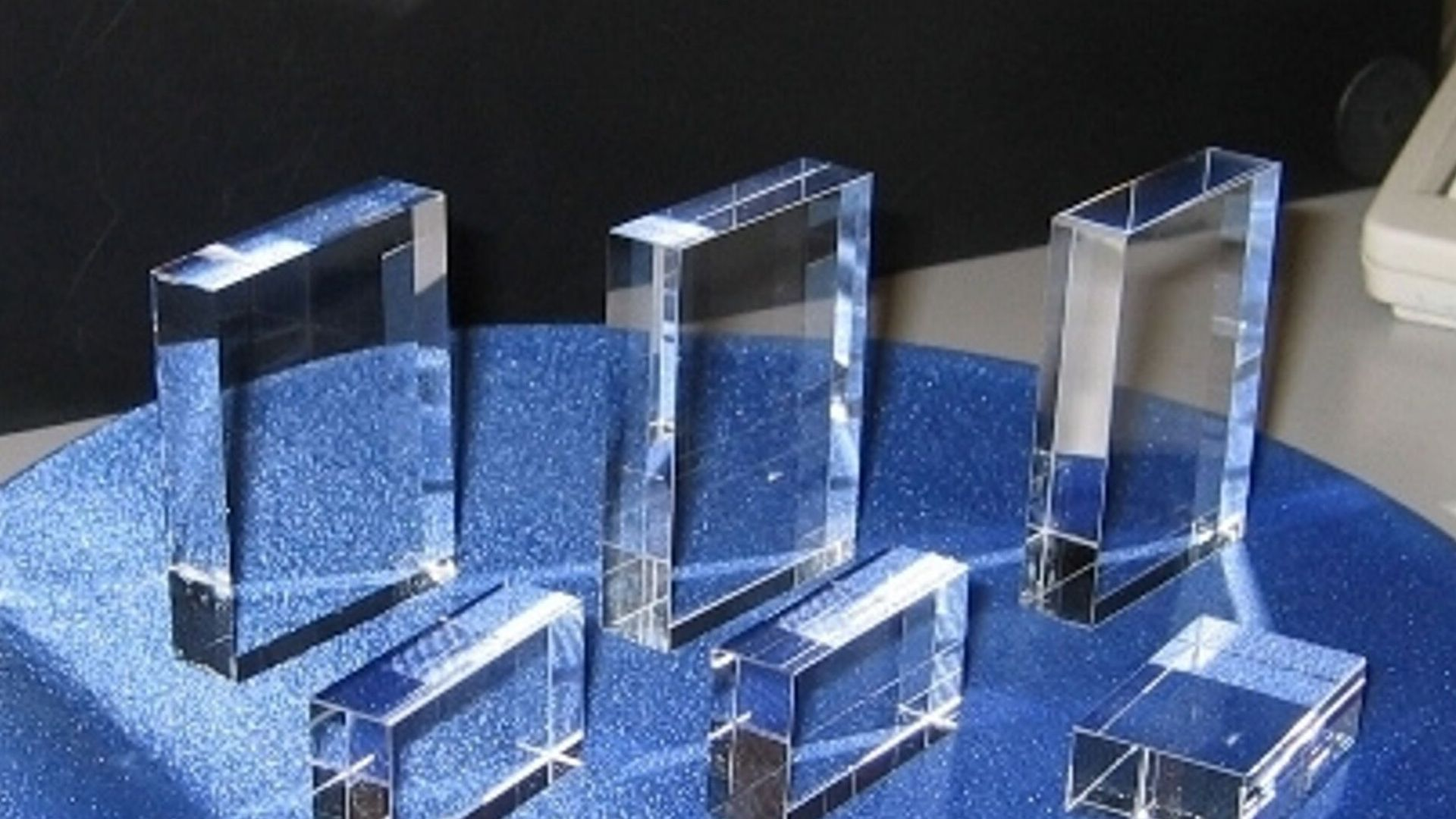 Advantages and Applications of Fused Silica/Quartz Glass | Silica, Pure  products, Thermal expansion