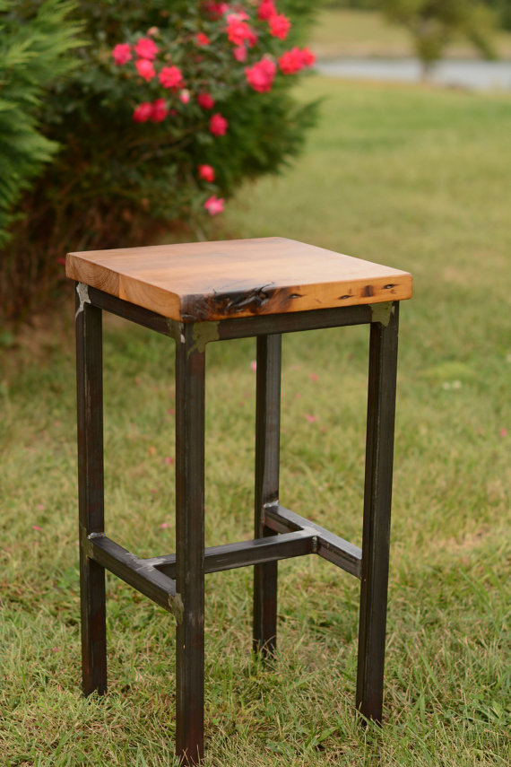 Wood and steel barstool rustic industrial en 2018 for Muebles de madera industrial acero