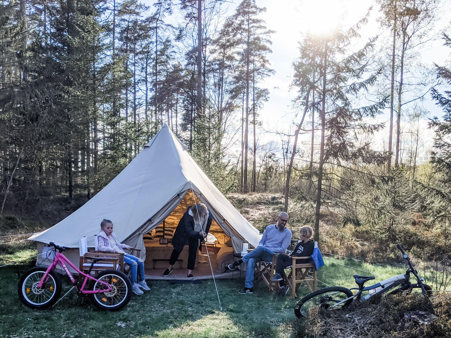 Nordic Pop up Glamping i 2020 | Lyxtältning, Pop up, Tält