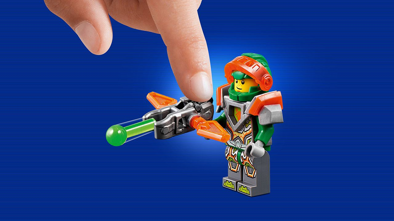 Nexo Knights Merlok Ausmalbilder : 70358 Aaron S Stone Destroyer Products Nexo Knights Lego Com