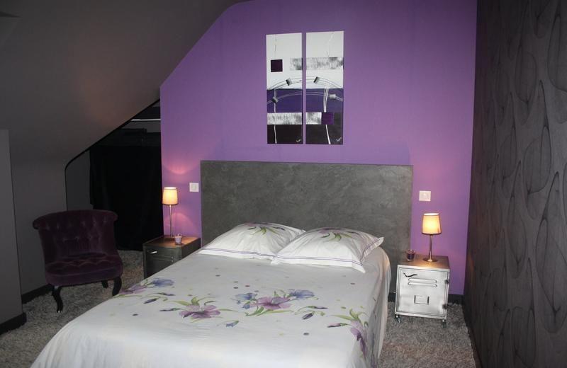 Laurent Courcoux peinture a rénové cette chambre d\u0027adulte dans une - Poser Papier A Peindre
