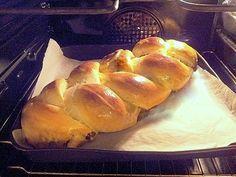Ecco la mia treccia di pan brioche di una morbidezza eccezionale, tutta da provare! Questa volta ho preferito, come ripieno, melanzane a funghetto e provola