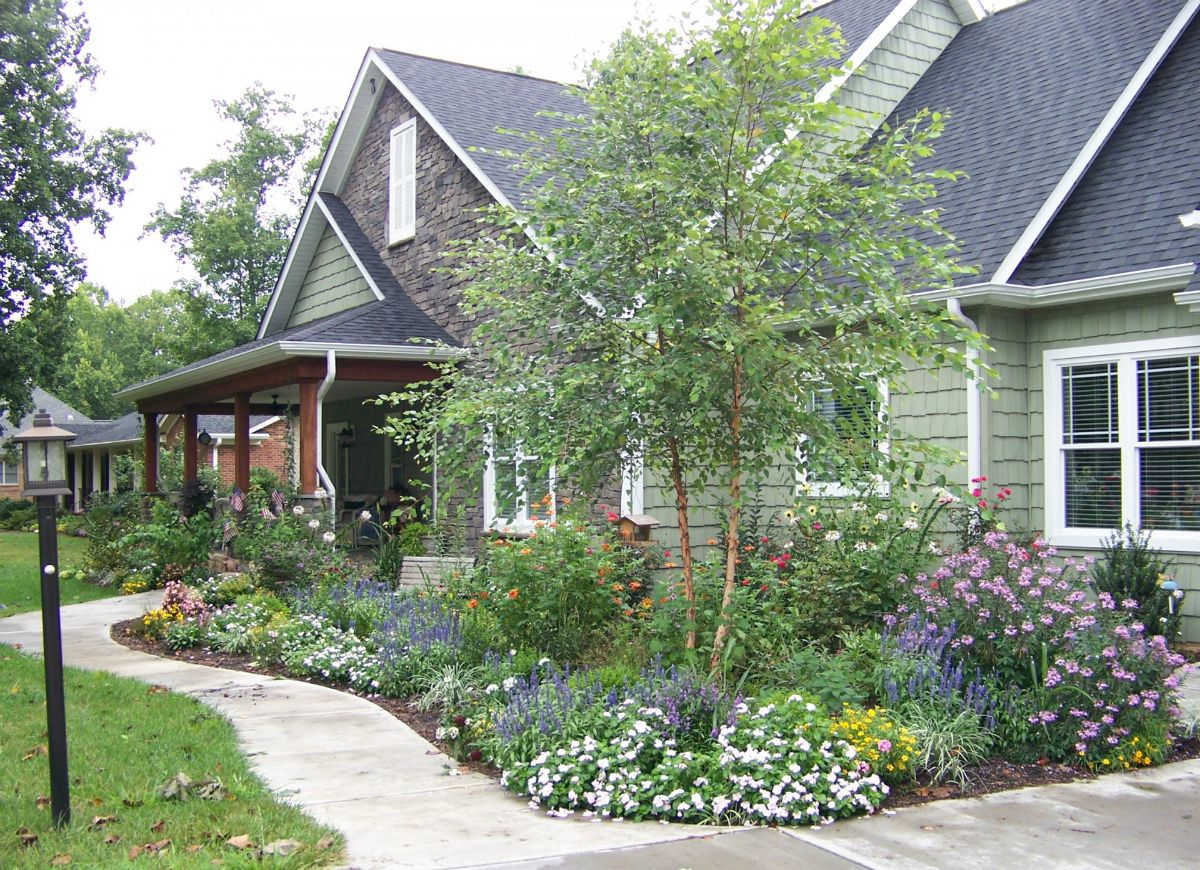 30 Ways To Color Your Yard This Fall House Landscape Home