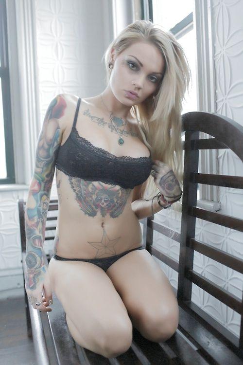 Girls with kinky tattoos, girls flashing nipples