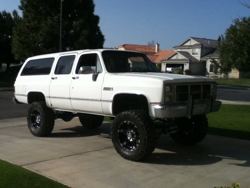Any Pics Of Lifted Suburbans What Size Lift Tires Looks The Best