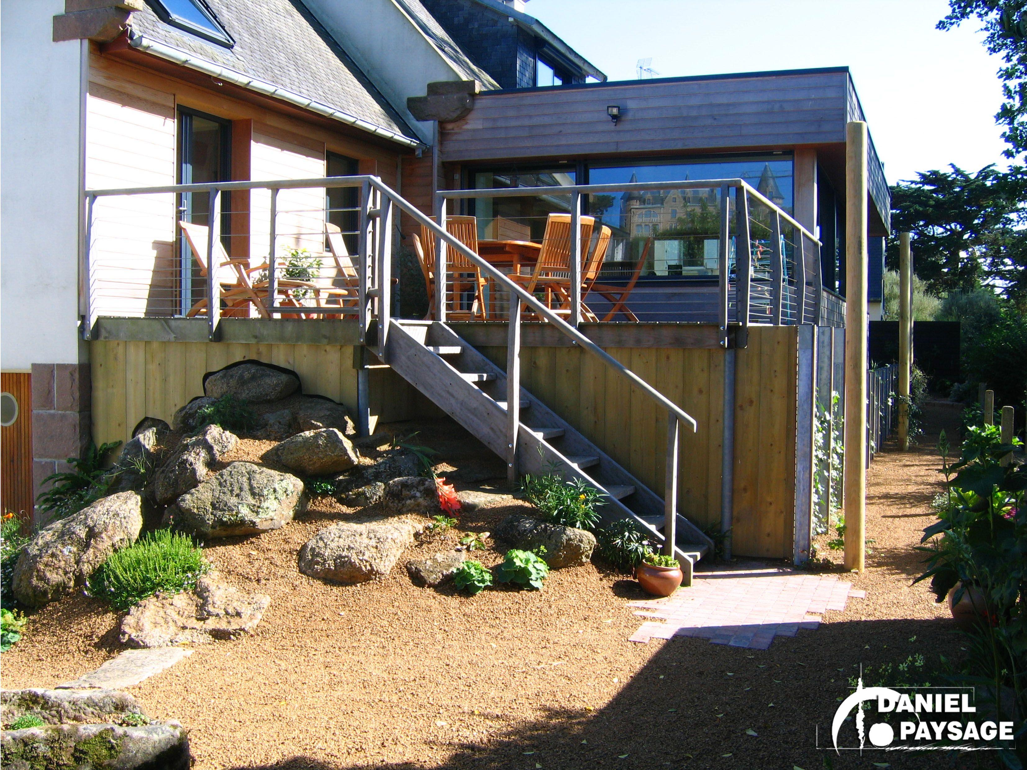 une terrasse sur lev e pour mieux admirer le jardin les terrasses pinterest terrasse. Black Bedroom Furniture Sets. Home Design Ideas