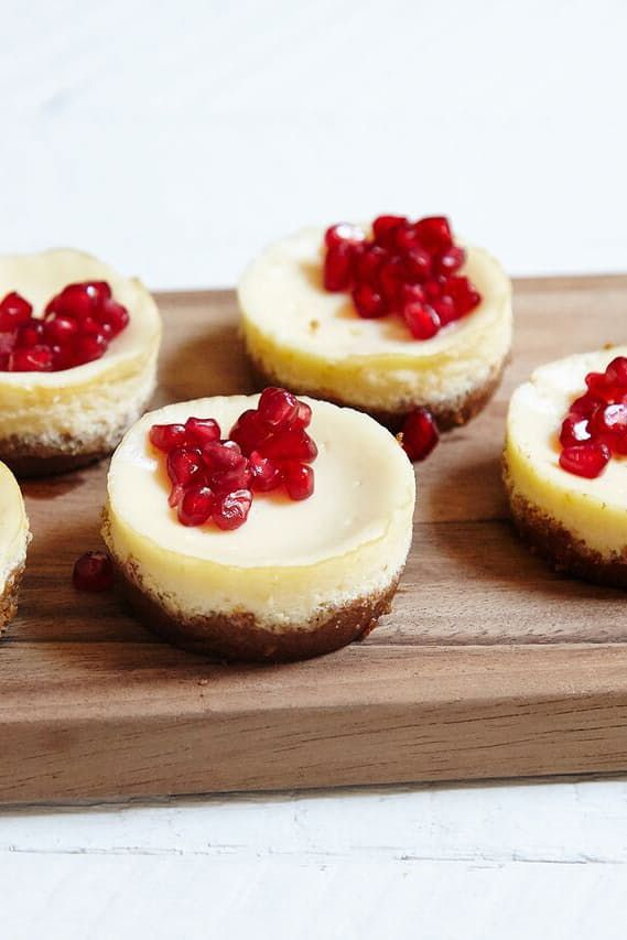 16 festive finger foods to wow the crowd at your holiday party 16 festive finger foods to wow the crowd at your holiday party via purewow forumfinder Image collections